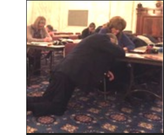 Congress praying.PNG